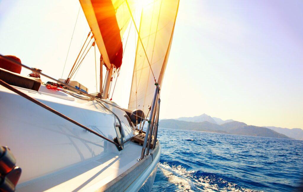 Как приятно слушать радио на яхте